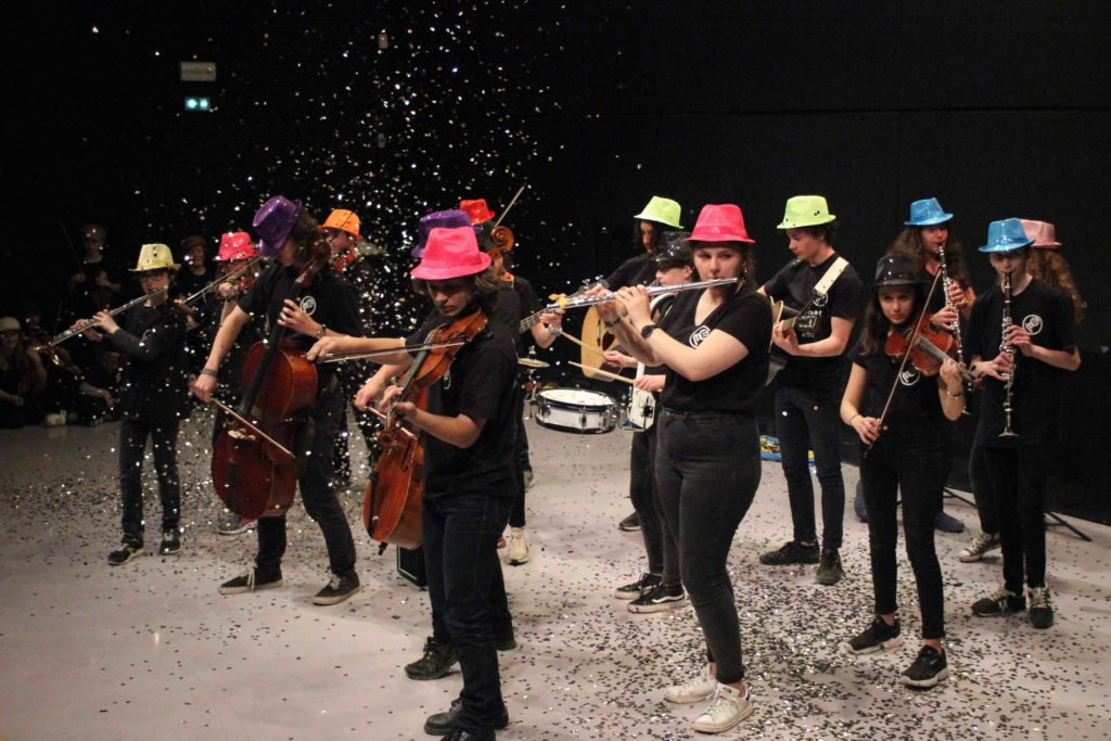 Orchestre Sirocco jouant du Pink Floyd